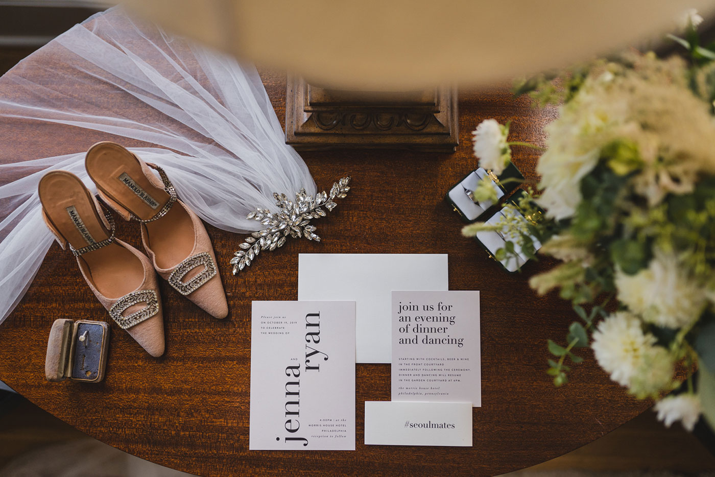 Jenna & Ryan's detail shot at Morris House Hotel by Weddings by Hanel