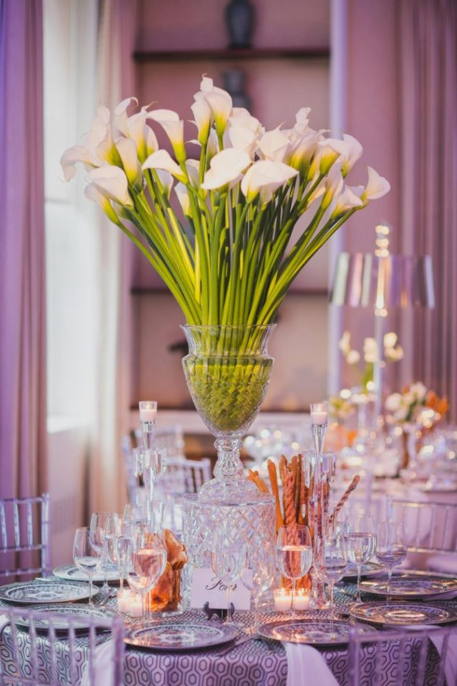 detail shot of calla lilies from reception decor